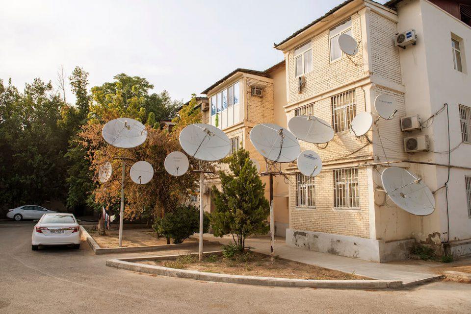 mieszkanie-turkmenistan-antena-telewizyjna-zdjecia-fotografia-pismo