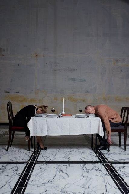 pismo-kolacja-jedzenie-rodzina-starosc-malzenstwo-stol-fotoreportaz-zdjecie-bartek-barczyk