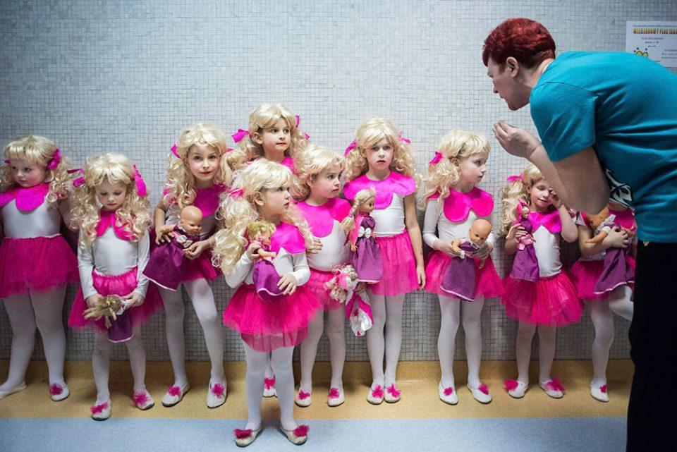 bydgoszcz-dziewczynki-barbie-lalki-kucyki-rozowy-konkurs-taniec-pismo