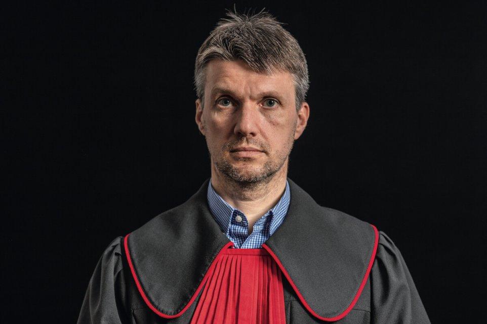 Jaroslaw-Onyszczuk-pismo-sad-prokurator-polska-polityka-portret