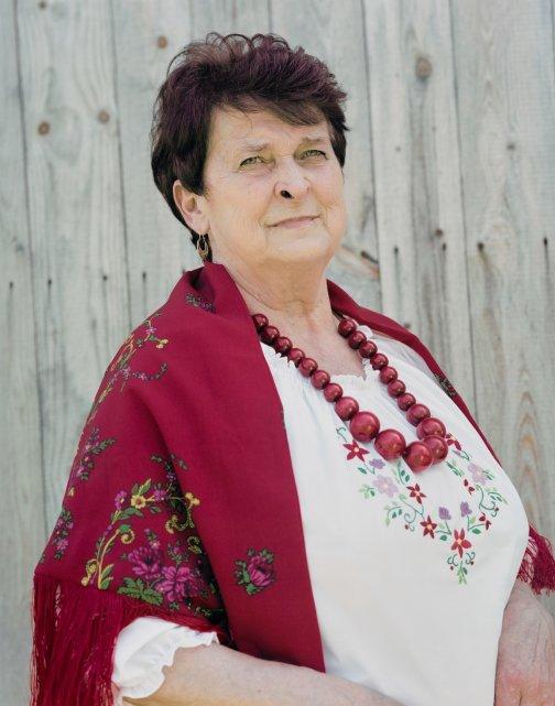 krok-za-natura-wies-polska-zmiana-klimatu-kobieta-ludowosc-maciej-moskwa-maria-bereta-portret