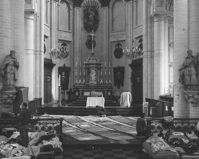 Karol-Grygoruk-Rats-pismo-katolicki-kosciol-bruksela-migranci-oltarz