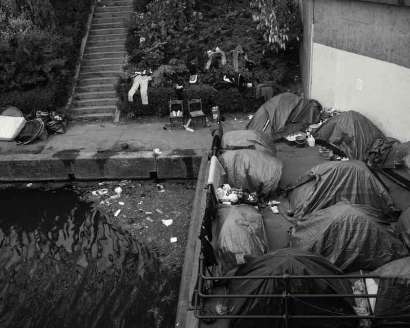 Karol-Grygoruk-Rats-pismo-namioty-miasteczko-migranci-uchodzcy-fotoreportaz